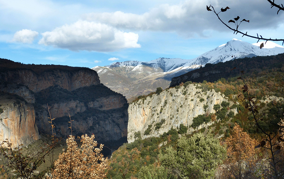 The trail from El Run to Gabás is truly one of the greatest in Benasque Valley.