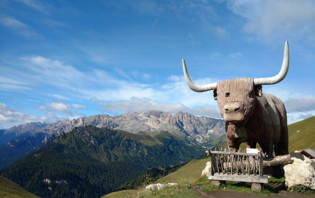Huge statue of an ox outside the Friedrich August Refuge in the Sassolungo.