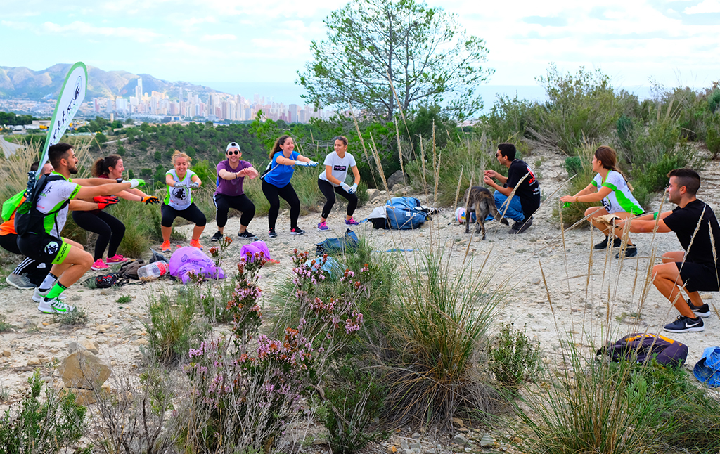 Physical training routines during a session of plogging