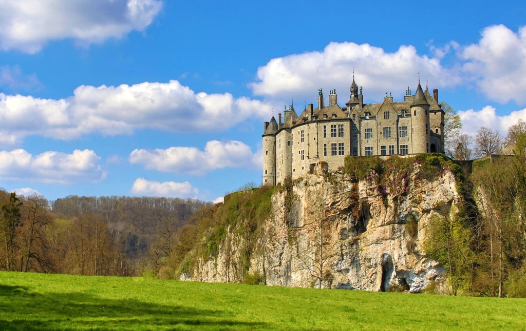 The Walzin Castle, a passing area for one of the most popular trails in Belgium.