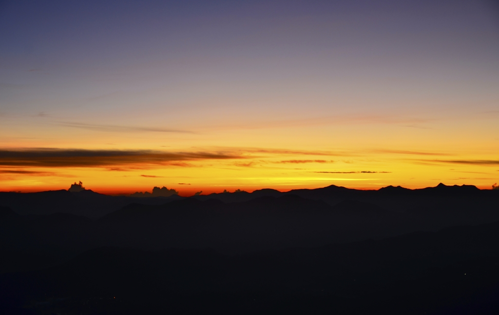 The reddish sky from Adam's Peak, in Sri Lanka, one of the best places in the world to look at the stars with the naked eye.
